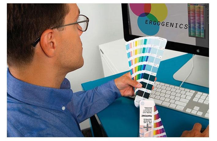 色彩桥梁色卡内页设计图二2016年版